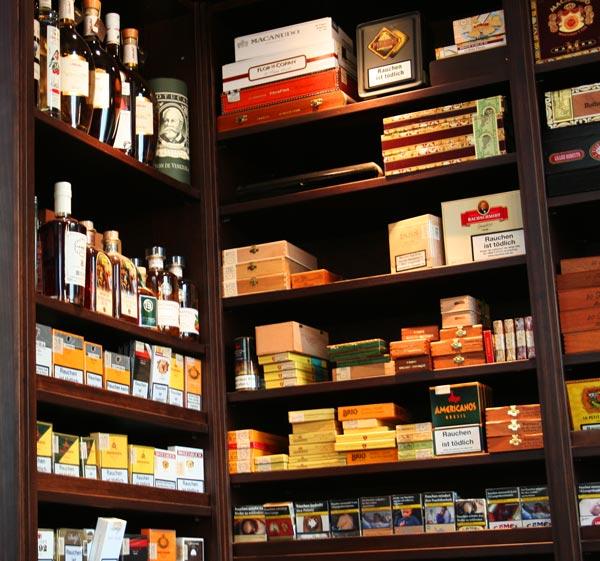 Passend zu Zigarren empfiehlt sich ein edles Getränk - Für Pfeifen und Zigarren